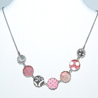 Collier dame rouge